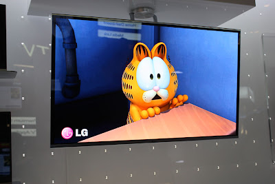 LG AMOLED OLED showing HD movie  :intelligent computing