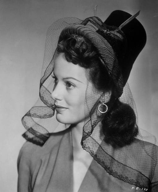 Faye Emerson #1940s #lace #hat #fashion