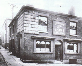 Shepherds Arms Kay Street Bolton pictured in the 1920s
