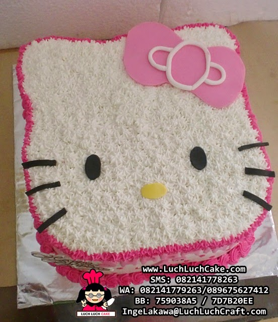 Kue Tart Kepala Hello Kitty 3D
