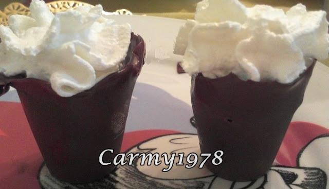 bicchieri-di-cioccolato-con-gelato