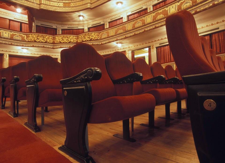 Cultura de sevilla comienza la nueva temporada teatral en for Sala fundicion programacion