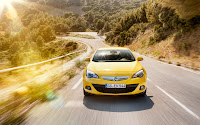Opel Astra GTC front
