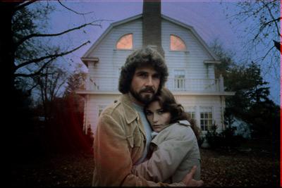 http://1.bp.blogspot.com/-_YnNMJYoNYA/T52ONFl7XaI/AAAAAAAAACw/ZodKJG0pNag/s1600/amityville-horror-1979.jpg