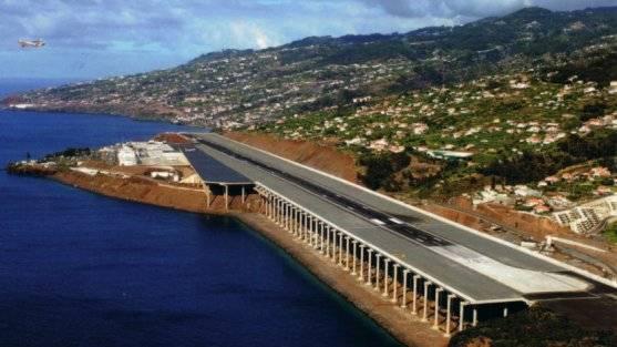 http://1.bp.blogspot.com/-_YnxJYRHJ4M/T9CZlfIYTKI/AAAAAAAACe0/YsGnY-JvH5E/s1600/aeropuerto_madeira.jpg