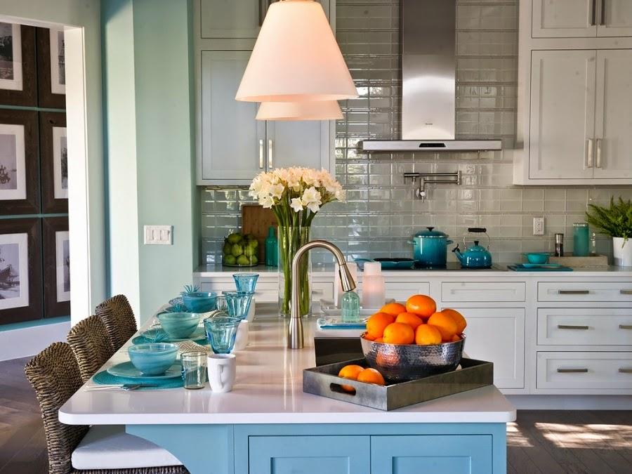 dom, wnętrza, mieszkanie, wystrój wnętrz, home decor, aranżacje, dekoracje, kuchnia, jadalnie, wyspa kuchenna, błękit, turkus, mięta, szarości, zastawa