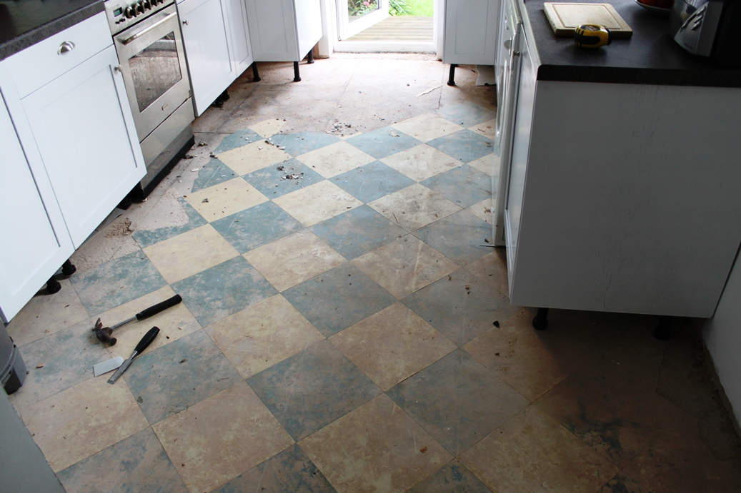 Progress Report: Laying Slate Tiles with Underfloor Heating - Swoon ...