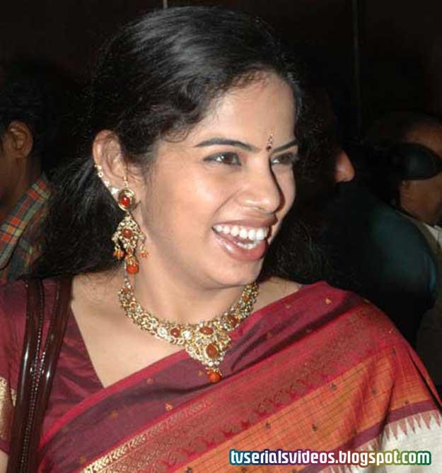 deepa venkat marriage photos tamil serial actress latest stills