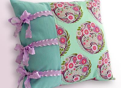 خياطة وسادة sewing pillow