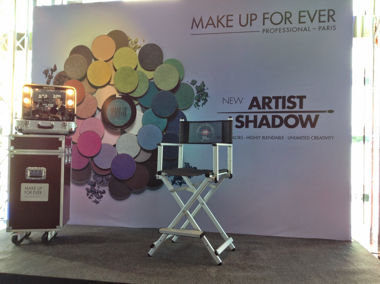 >> 210 新色眼影玩法*MAKE UP FOR EVER 2014 Aug Event﹣Artist Shadow 藝術大師眼影系列