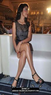 Shriya Saran thigh show