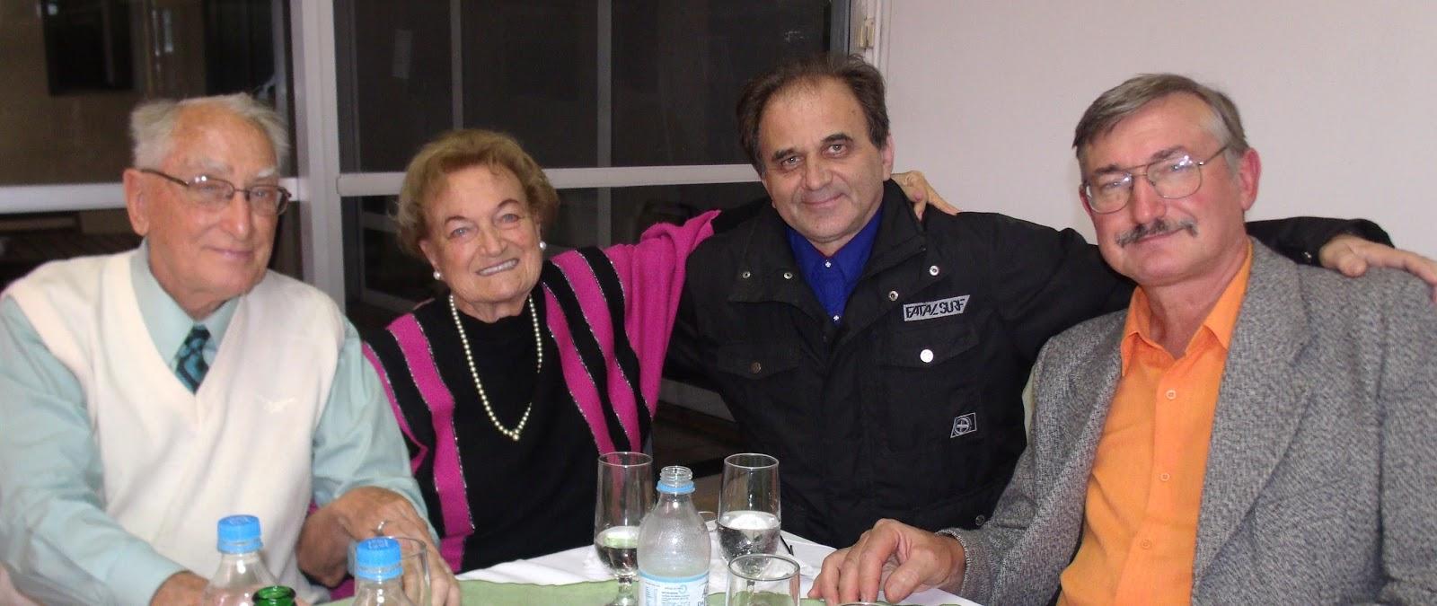 Airton Engster dos Santos com a família Schinke
