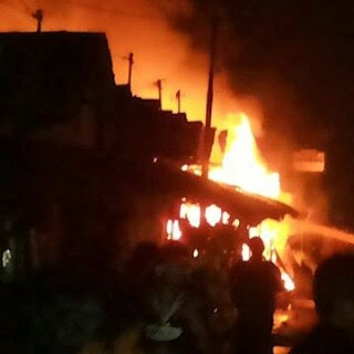 Los Buah Terbakar, Delapan Kios Rata Rata Dengan Tanah