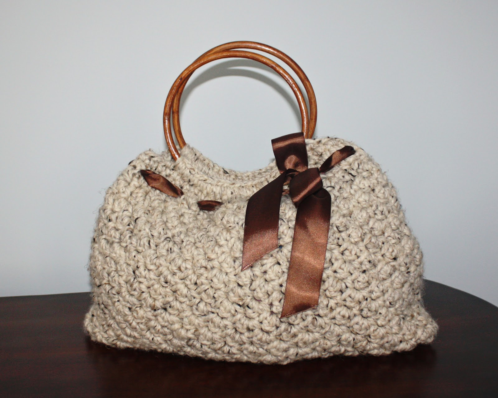 Crocheted Handbag : Pretty Darn Adorable Crochet: Free Patterns