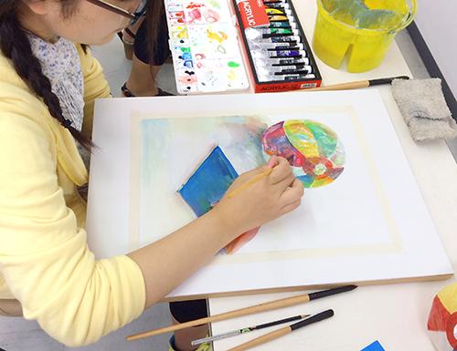 横浜美術学院の中学生教室 美術クラブ 細部の描き込みと仕上げ