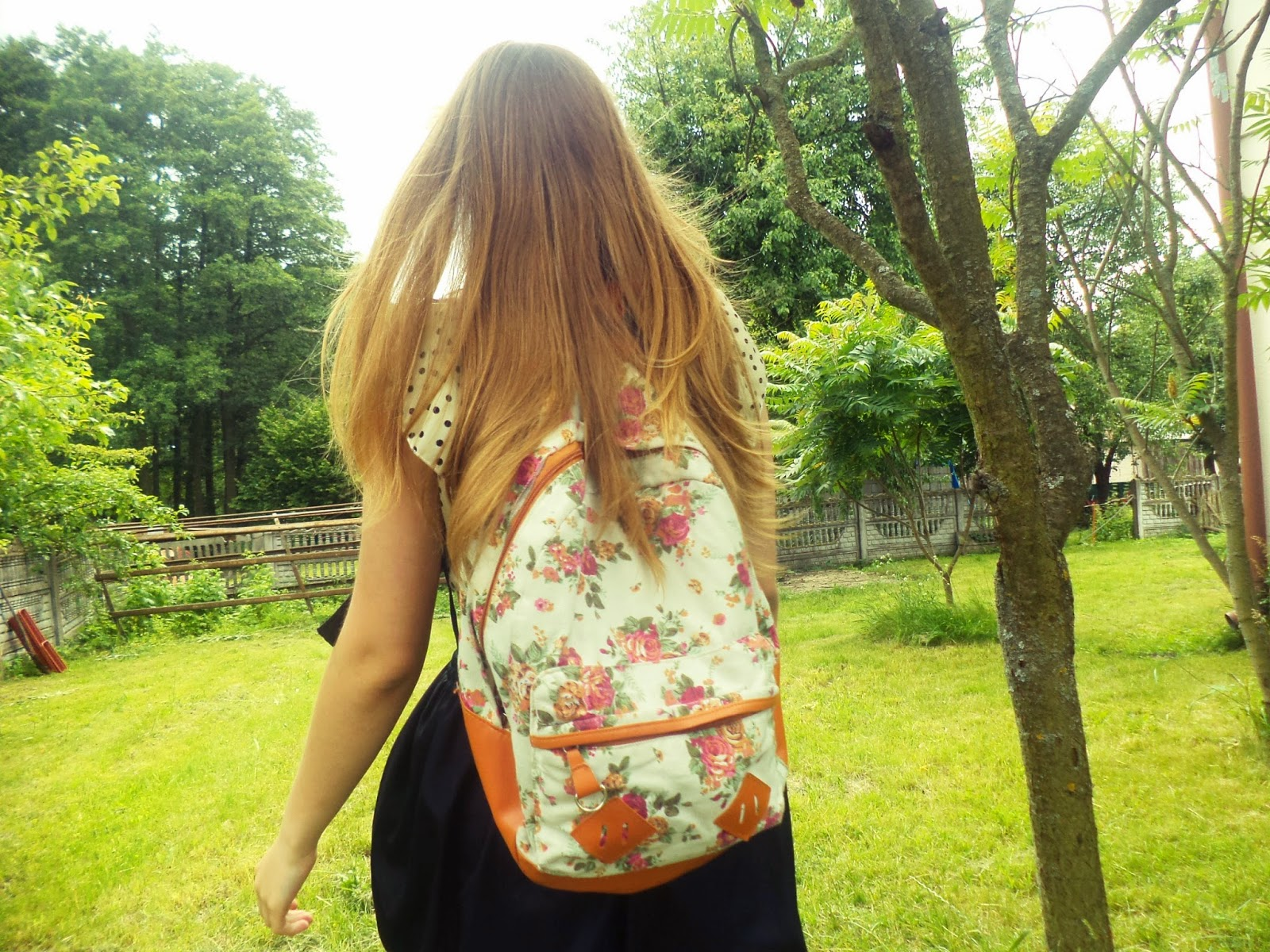 http://www.banggood.com/Wholesale-New-Women-Girl-Vintage-Cute-Flower-Schoolbag-Bookbags-Backpack-Black-Bag-p-53474.html?utm_source=fashionblogs&utm_medium=blog_review&utm_campaign=KarolinaBierc&utm_content=Judy