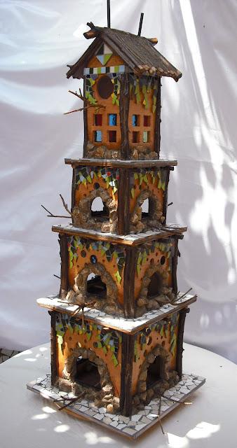 Joan seriny como hacer una casita para pajaros decorada en trencad s o mosaicos - Casita para pajaros ...
