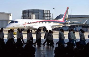 国産初の小型ジェット旅客機「MRJ」:  <br>三菱重工の航空機部門が開発
