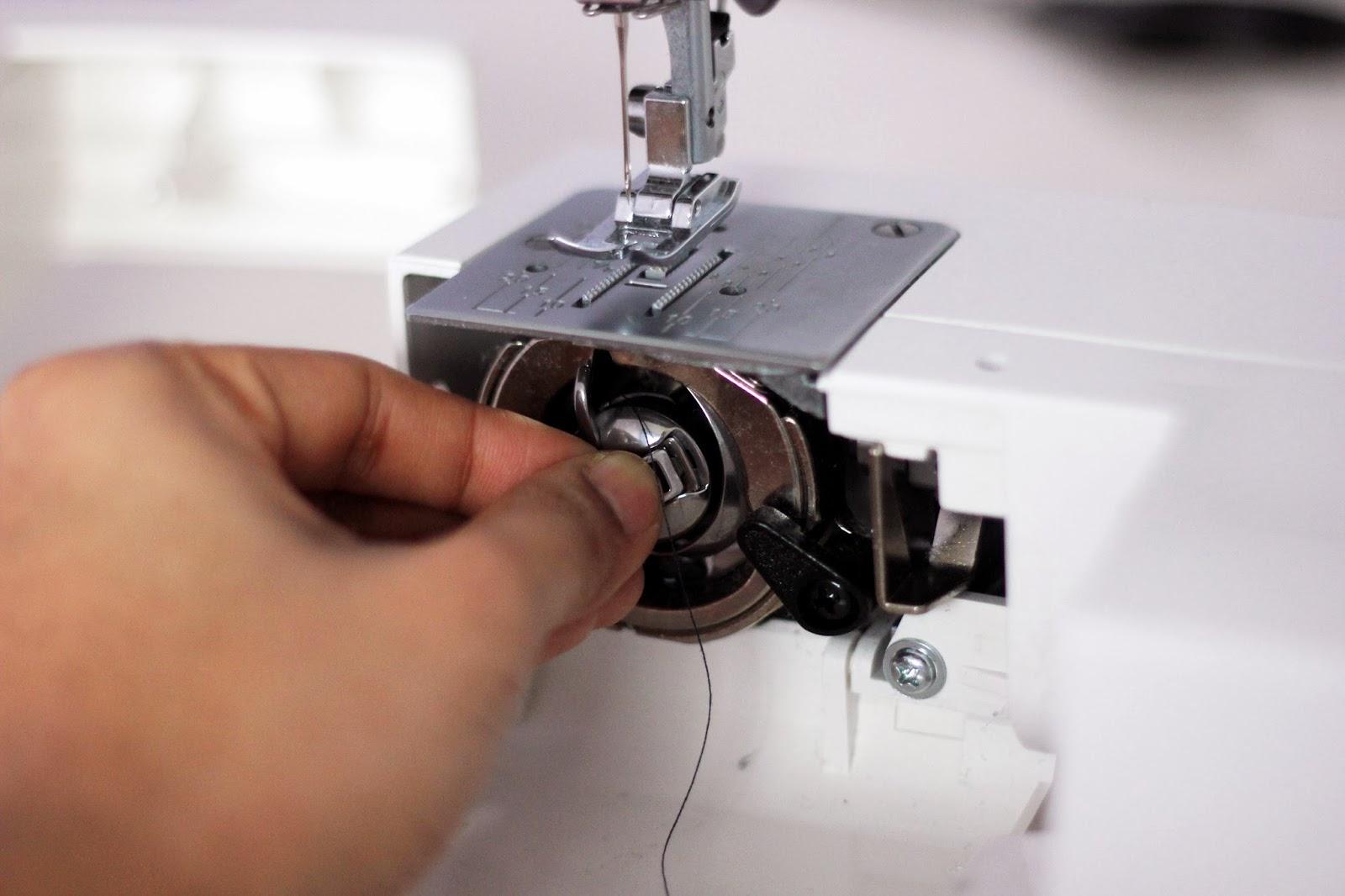 Janome how to insert bobbin in bobbin case