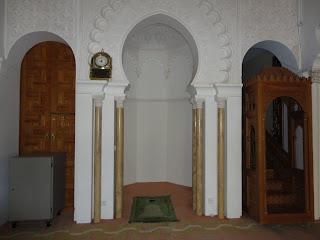 Bon voyage al akhawayn mosque visit for Decoration khotba