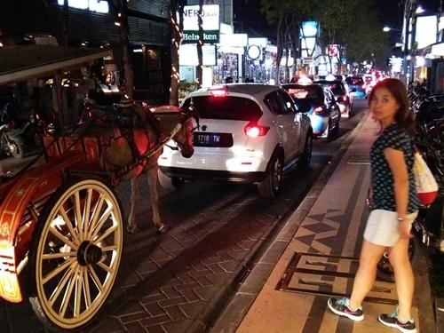 レギャン通りはいつも通り大渋滞