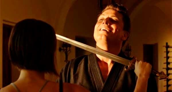 Thea Queen y Malcolm Merlin en Arrow 3x03 - Corto Maltese