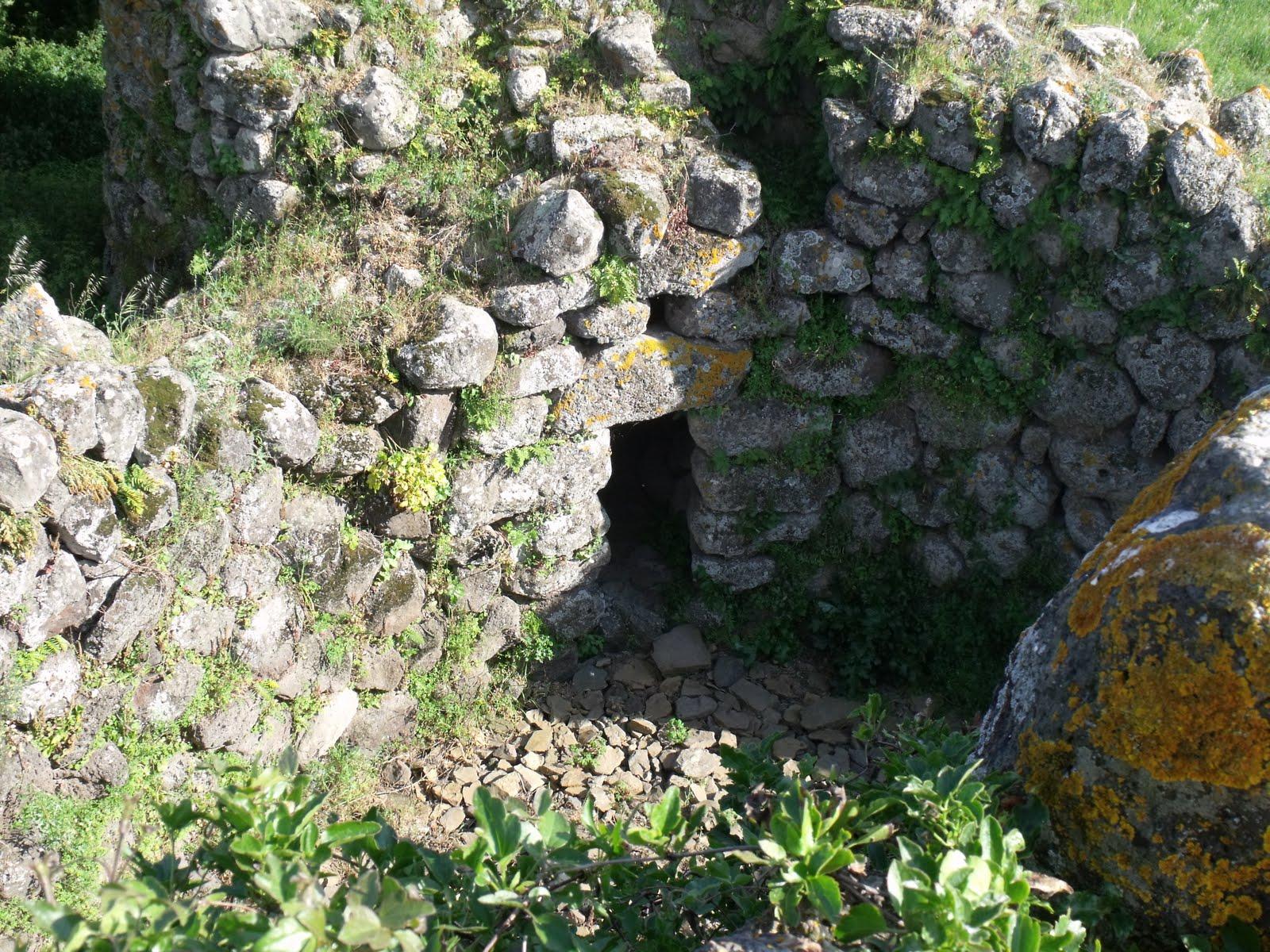 Il mulino del tempo archeologia sarda nuraghe santa for Cortile circolare