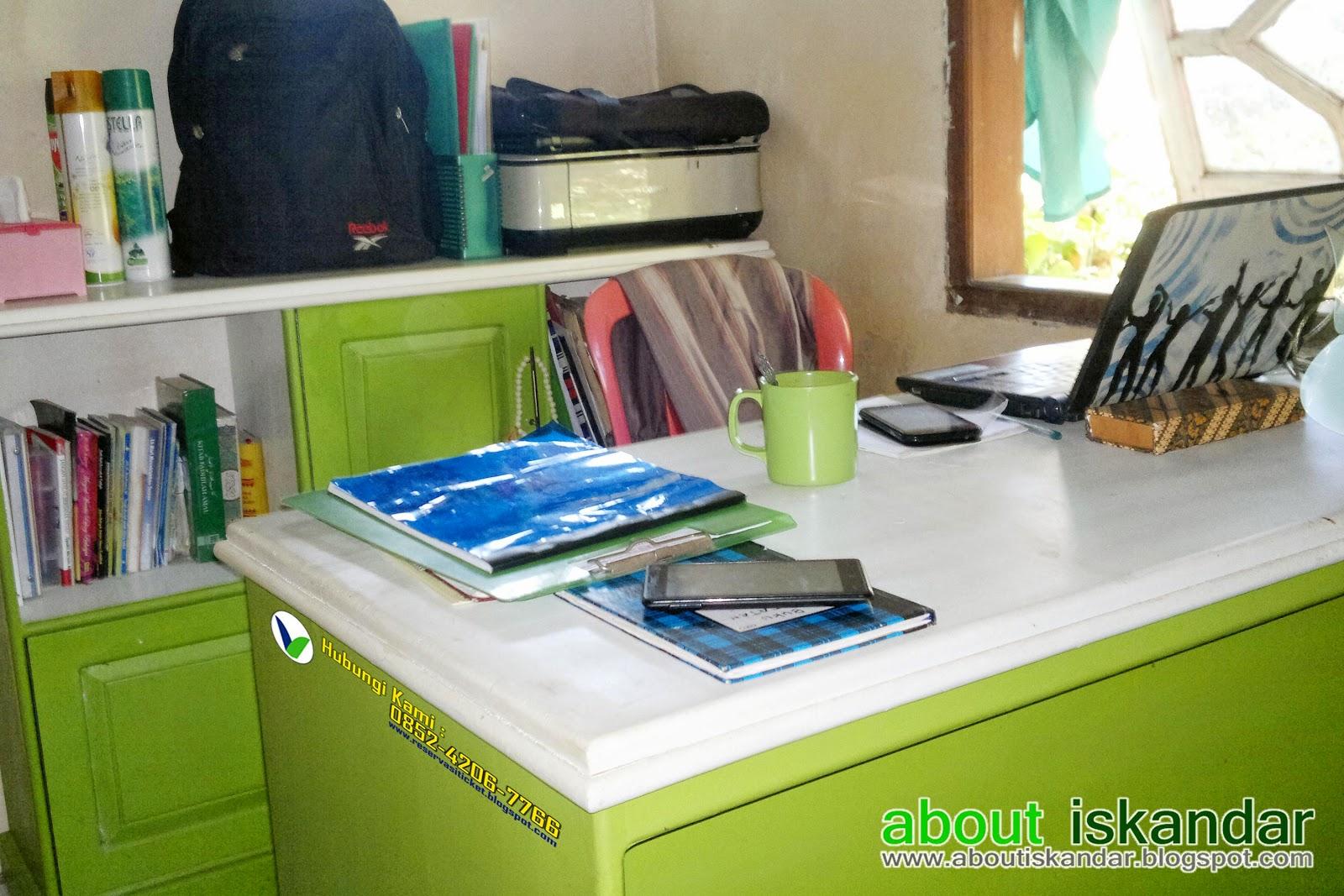 home office home. Namanya Juga Small Office, Ruangannya Tidak Perlu Luas, Yang Penting Saya Bisa Bekerja Dengan Nyaman Dan Ada Suasana Hommy Di Dalamnya. Home Office