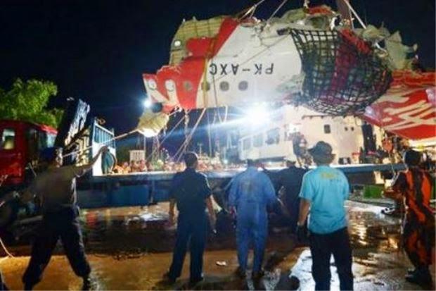 Serpihan Terbesar Pesawat QZ8501 Ditemui