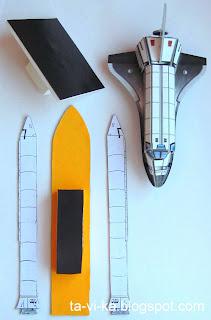 модель космического корабля Шаттл