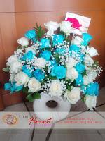 buket bunga, rangkaian bunga meja, bunga ulang tahun, bunga ucapan selamat, toko karangan bunga, toko bunga jakarta, toko bunga, bunga mawar biru