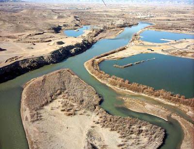 Mengapa air Laut Mati sangat asin?
