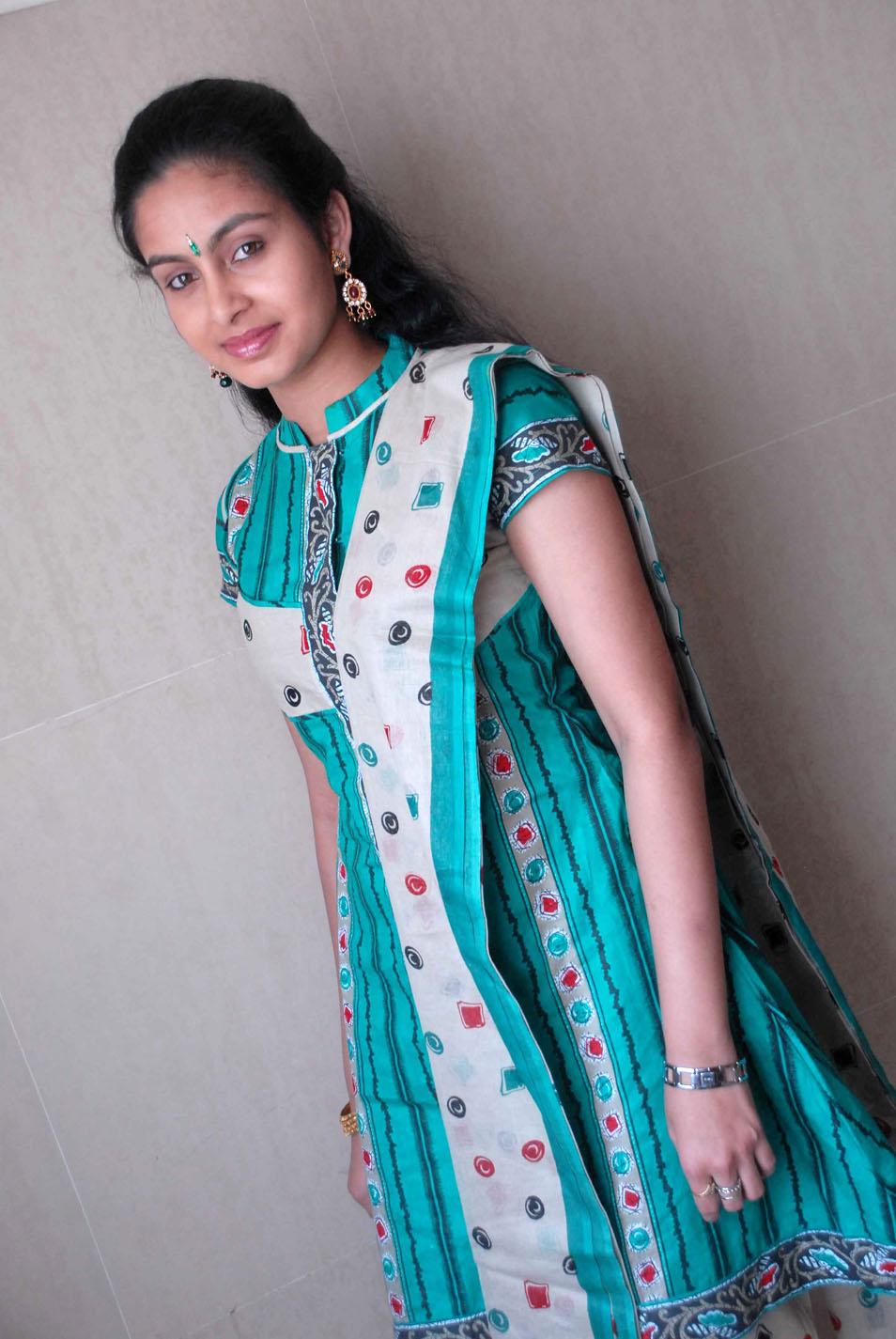 moov stills: abhinaya cute in punjabi dress