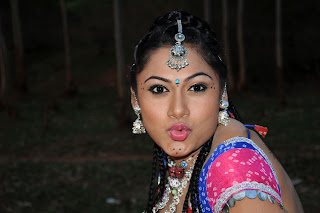Kannada movie Pari Photo Gallery