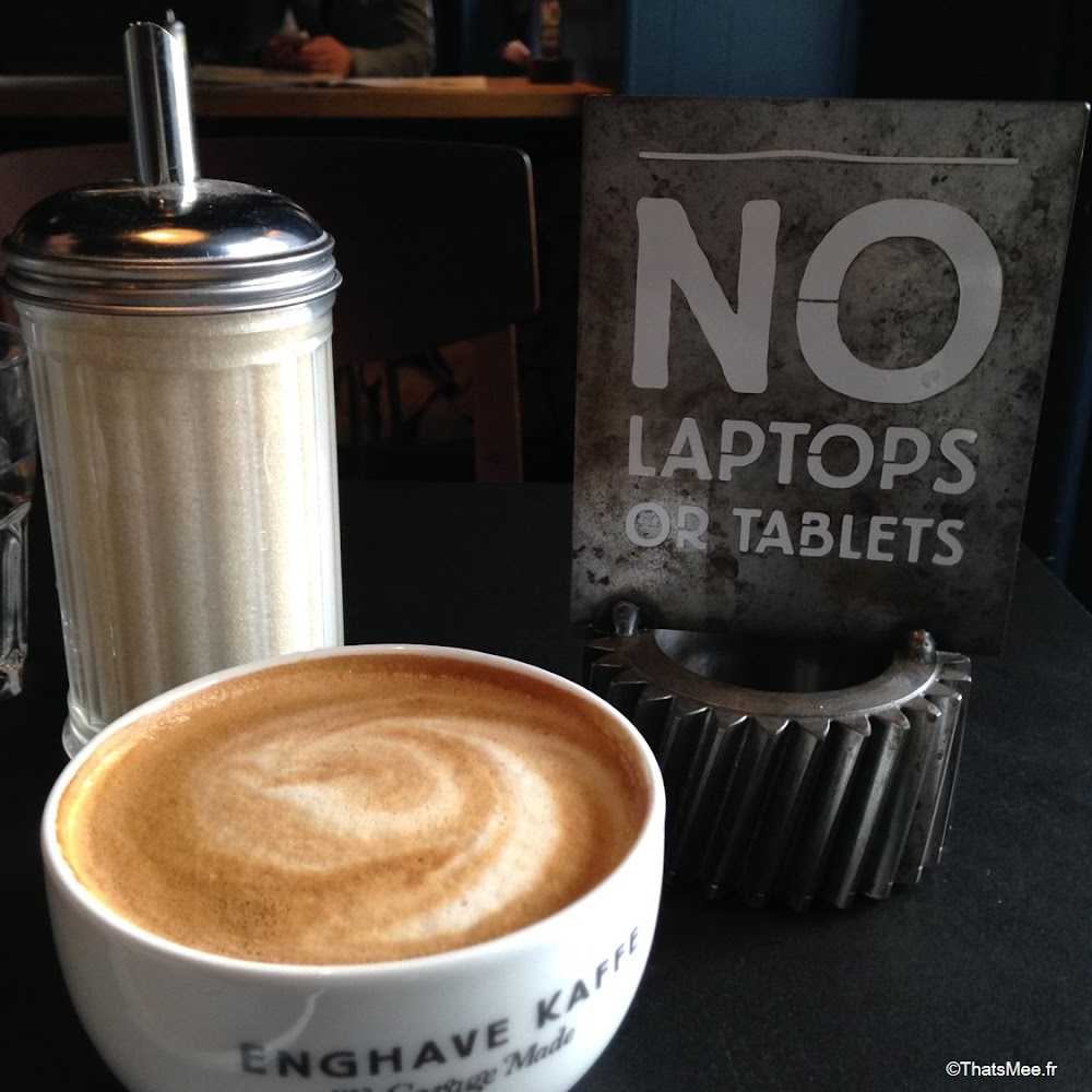 Enghave Kaffe Copenhague no laptop