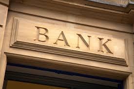 """Ανησυχία στις τράπεζες μετά το τρομοκρατικό """"θρίλερ"""" στο Παρίσι"""