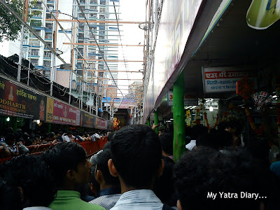 Long narrow Mukhdarshan lines to meet the Lalbaugcha Raja during Ganesh Chaturthi celebrations