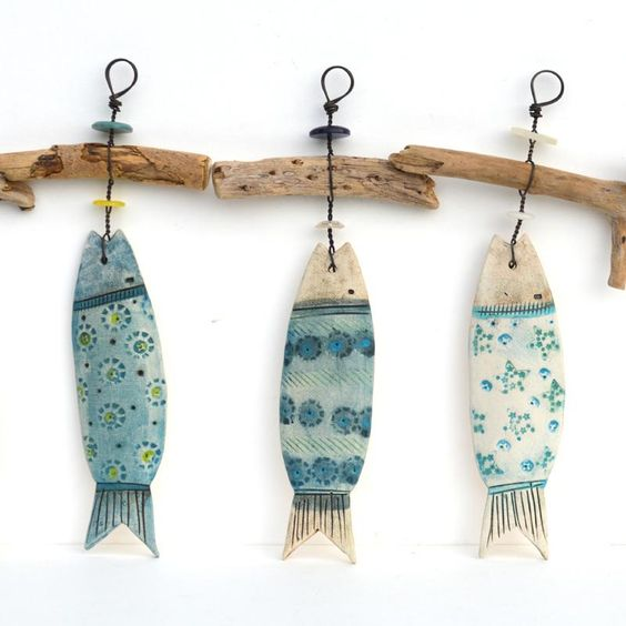 Peixes decorativos reutilize madeira