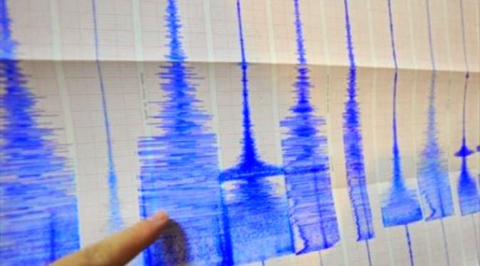 Puluhan Rumah dan Sekolah Rusak Akibat Gempa di Padang
