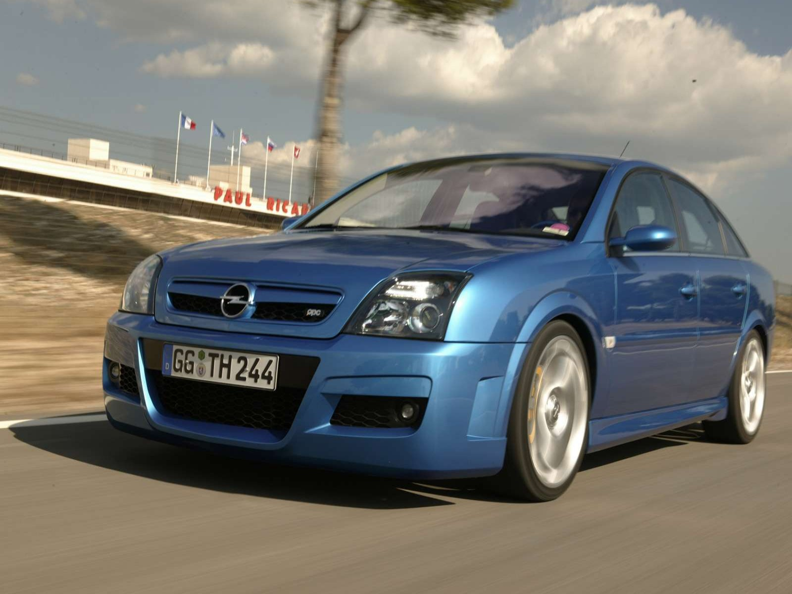 Car And Car Zone Opel Vectra OPC Twin Turbo 2005 New Cars
