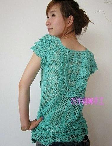 Bonita blusa con puntillas tejida con ganchillo