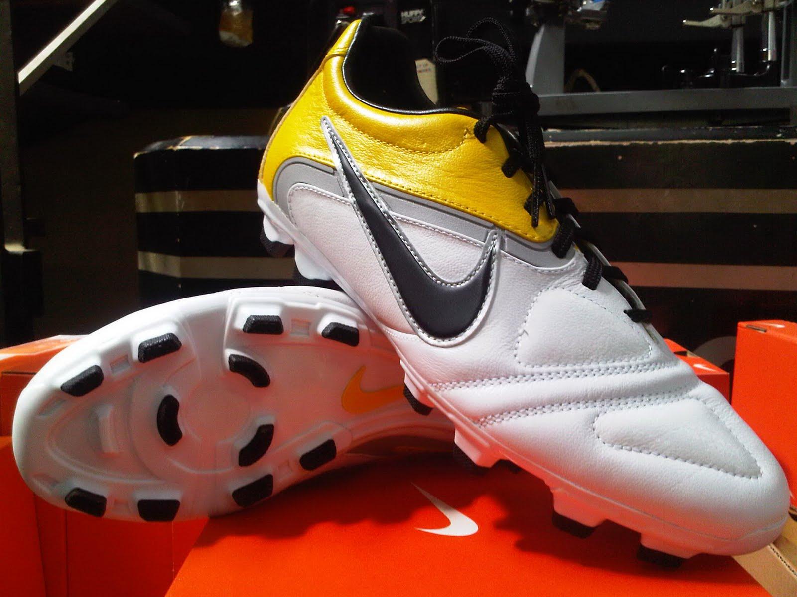 Jual Sepatu Bola Original Sepatu Sepak Bola Nike CTR360