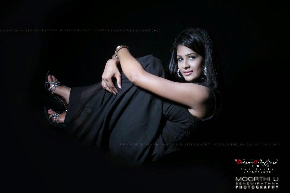 Maheshi Madushanka black