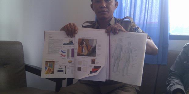 Buku Gambar Wanita Telanjang
