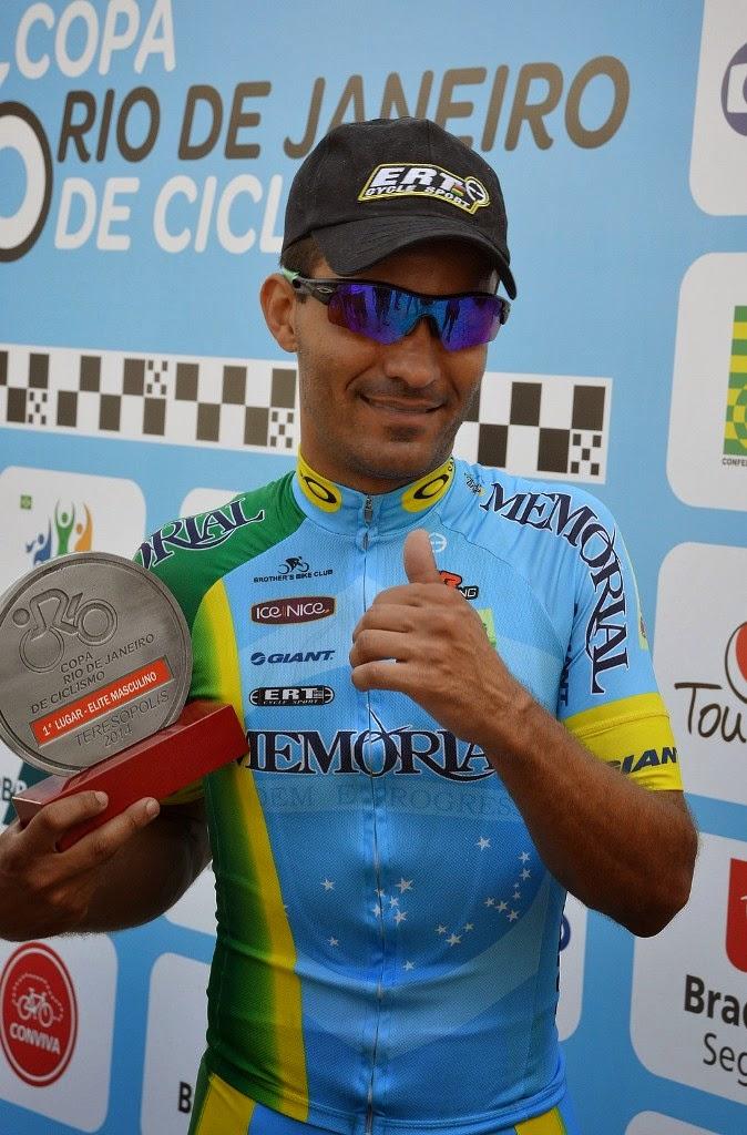 Vencedor da categoria Elite masculino, o ciclista profissional Armando Camargo Filho