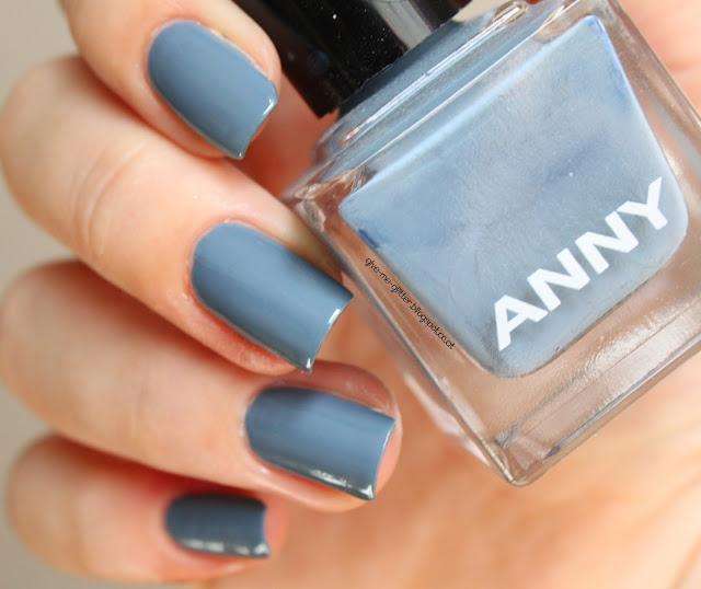 Anny - Blue Fashion Show