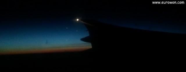 Anochecer visto desde avión