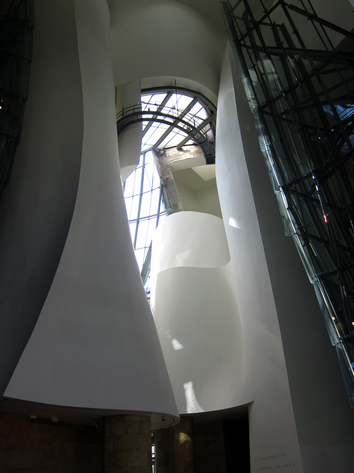 See guggenheim museum in bilbao shelly in real life for Guggenheim museum bilbao interior
