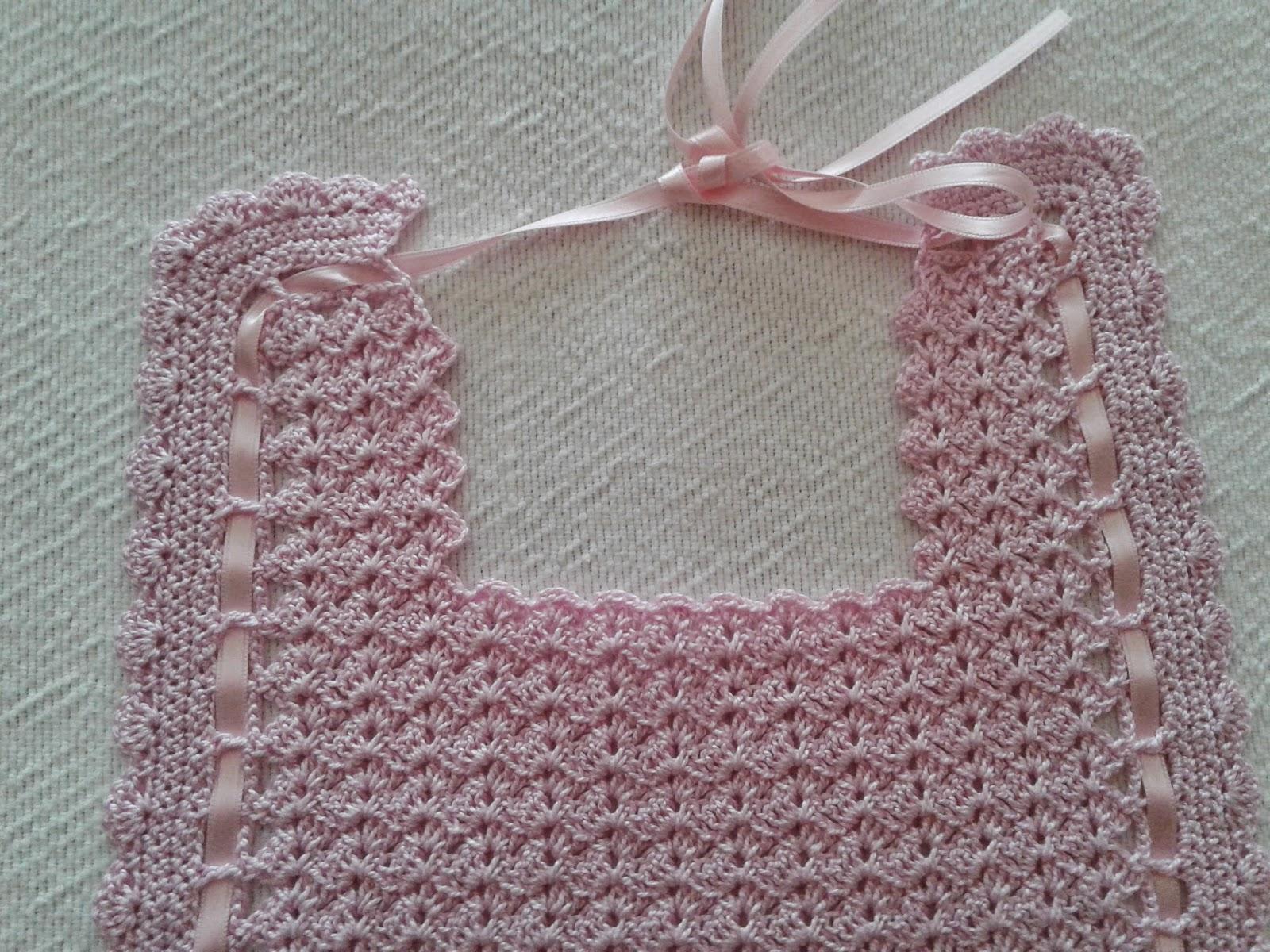 Las labores de sole babero crochet rosa - Labores de crochet para bebes ...