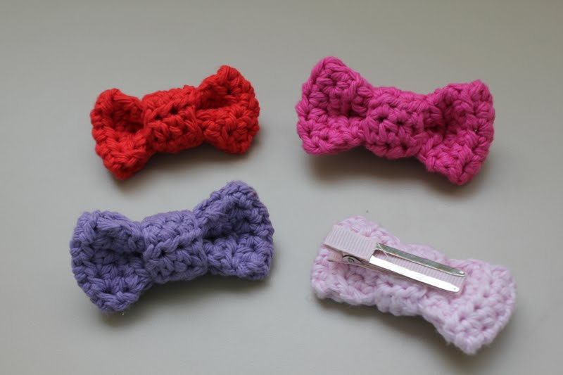 Crochet Rose Hair Clip Pattern : RisC Handmade: Crochet Bow Hair Clip Pattern